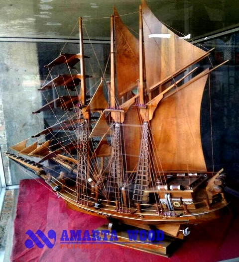 Miniatur Kapal Layar Pinisi Kayu Jati Murah