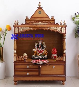 Altar Mewah Ukir Kayu Jati Emas